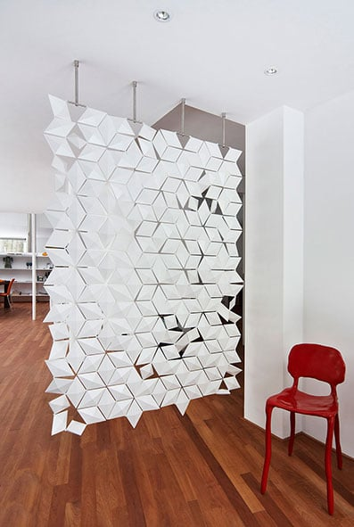 Looking for a hanging room divider screen?