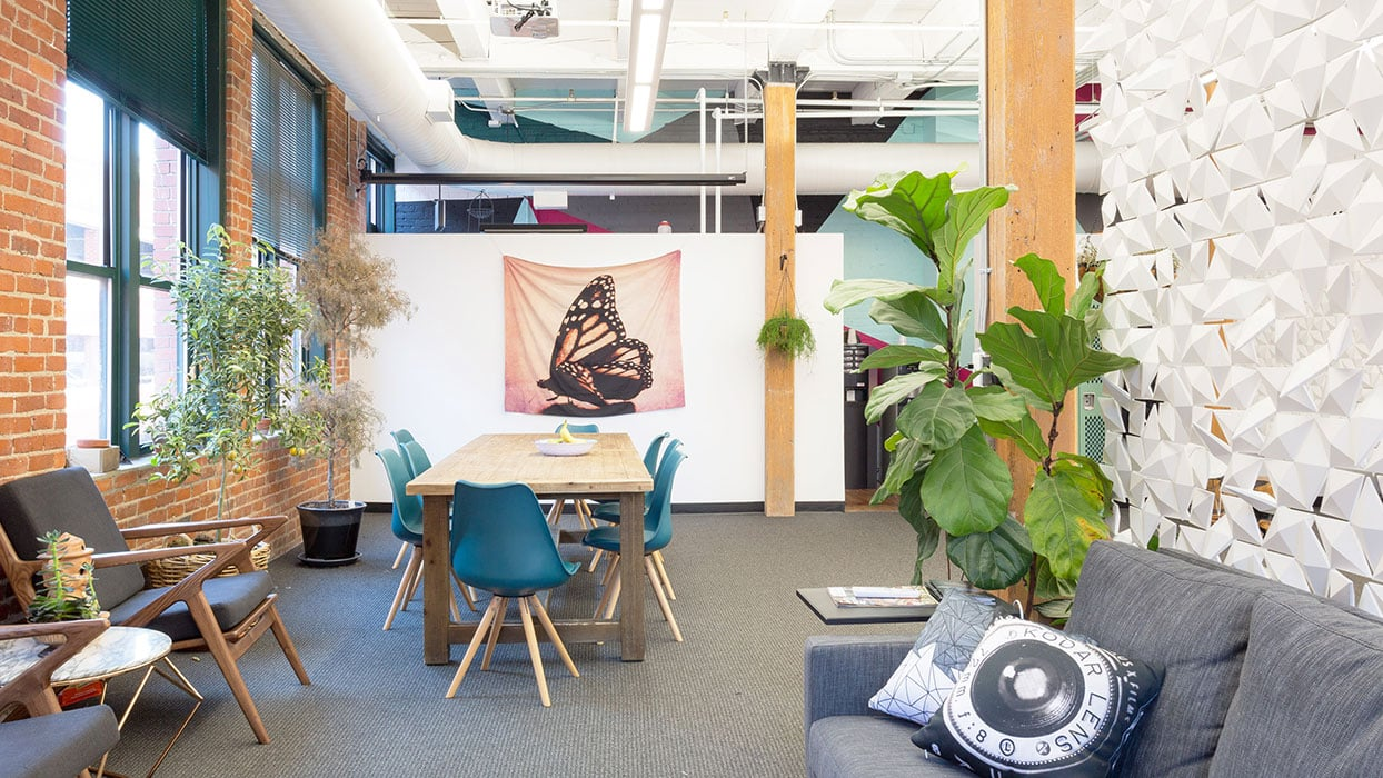 Inviting and inspiring open office design